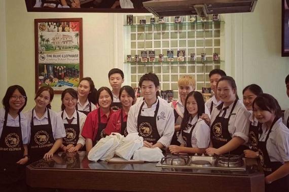 นักเรียนเอ็ดยูดีได้รับโอกาสเข้าคลาสเรียนทำอาหารที่ Blue Elephant Bangkok
